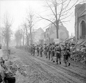 Rhineland Campaign: British infantry in Cleves,February 16, 1945