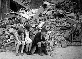 Homeless East London children, September 1940