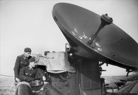 Wuerzburg radar apparatus installed in occupied France, 1943