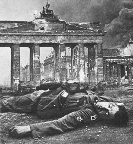 Battle in Berlin: German defender at Brandenburg Gate