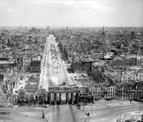 Unter den Linden, 1945
