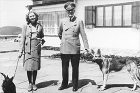 Hitler and Eva Braun, Berghof 1942