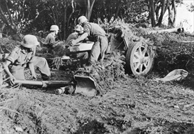 German artillery pounds Salerno beachhead