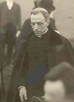 Pacelli (future Pope Pius XII), Germany, 1922