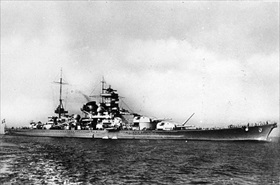 "German battleship ""Scharnhorst"" at sea, 1939"