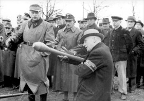 Volkssturm recruit learning to shoot Panzerfaust