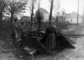 Hungarian soldiers man antitank gun, Battle of Budapest 1944