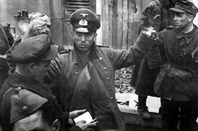 German soldiers surrender to Soviets, Budapest 1945