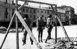 Italian resistance movement: Public hanging of three Italian partisans, Rimini, August 1944