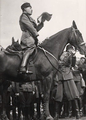 Mussolini on horseback, 1929