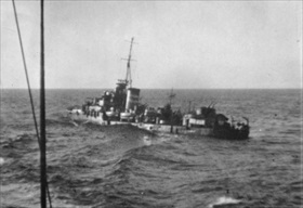 "HMAS ""Nestor"" being scuttled, June 1942"