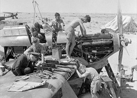 Hawker Hurricane undergoing maintenance, Tobruk 1941