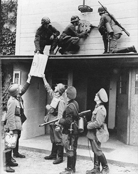 Removing Polish insignia, Sopot, September 1, 1939