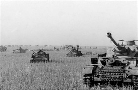 German tanks moving to Kursk salient, June 1943