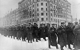 Fresh Soviet troops march to front, December 1941