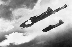 Soviet IL-2 attack enemy, Kursk 1943