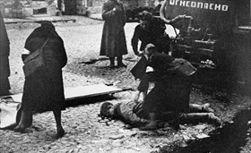Nurses tending wounded in Leningrad, September 10, 1941