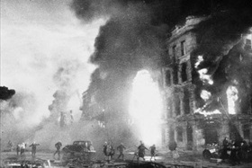 Stalingrad burns in aftermath of Luftwaffe attack, August 1942
