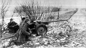 Battle of Seelow Heights: Soviet artillery pound pockets of German resistance, March 1945