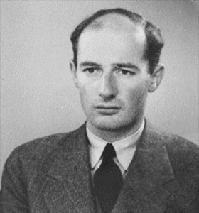 Passport photo of Rauol Wallenberg, 1944