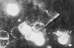 Battle of the Bismarck Sea: Troop transport under attack 1