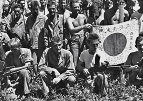 Carlson's Raiders pose for photo, probably Guadalcanal, November–December 1942
