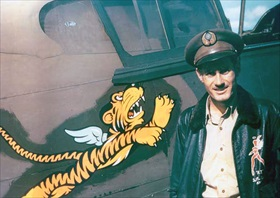 "AVG squadron flight leader Robert ""R. T."" Smith, May 1942"