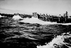 U.S. 6th Army approach Lingayen landing beach, Luzon, January 9, 1945