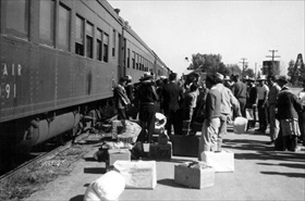 Japanese American internment: Boarding train for Tule Lake