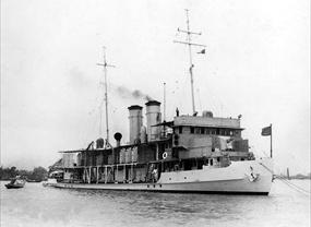 USS Panay on patrol on China's Yangze River